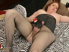 Hung Wendy jerking in pantyhose